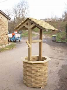 grand construire un puit decoratif habillage d puits et