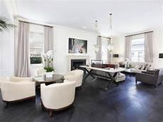 Grauer Boden Wohnzimmer - contemporary living room grey wood floors white grey