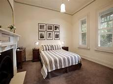Carpet In Bedroom Ideas by Modern Bedroom Design Idea With Carpet Fireplace Using