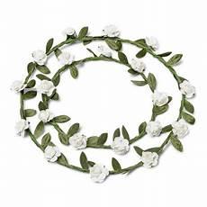 centre de table couronne de fleurs blanche decoration