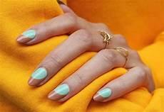 trendy barvy na nehty 2019 nehty kter 233 budou v kurzu perli芻ky n 225 pisy i n 225 vrat