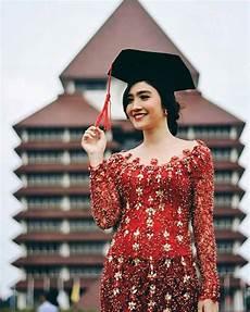 30 Model Kebaya Wisuda Modern Remaja Simpel Elegan