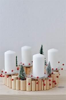 einfache weihnachtsdeko selber machen 40 adventskranz ideen und die geschichte des adventskranzes