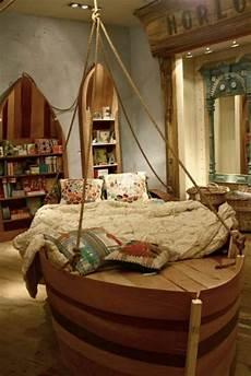 deco style marin chambre de style marine id 233 e lit bateau d 233 coratif en bois