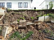 Gartenzaun Castrop Rauxel Garten St 252 Rzt In Baugrube Hausbesitzer Beklagt Mangelnde