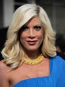 tori spelling hairstyles gallery photos haircut pictures hot celebrities beauty care