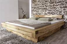 Massivholzbett Mit Bettkasten - balkenbett 180x200 massivholzbett mit bettkasten wildeiche