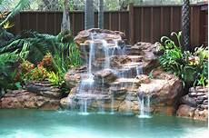 decoration cascade d eau certaines cascade imitent parfaitement la nature piscine