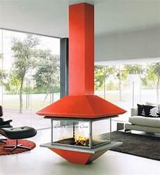cheminée centrale foyer ouvert chemin 233 e centrale grand foyer pour les amoureux de design moderne