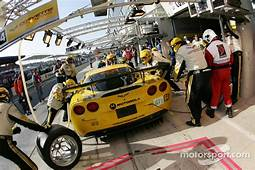 Pitstop For 64 Corvette Racing C6 R Oliver