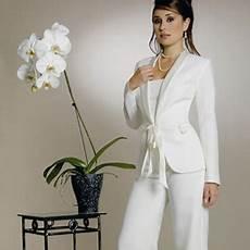 tenue femme pour un mariage habitudes de femmes tailleur jupe femme mariage grande