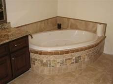 badewanne fliesen bilder badewanne einfliesen badewanne einbauen und verkleiden