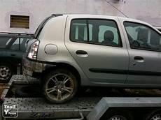 km essence prix clio 2 rxt 1 6 1998 essence 233 159000 km 1500 euros