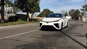 Toyotas Hydrogen Fuel Cell Mirai Isnt Good Enough To Be