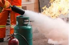 gaz cylindre vecteurs et photos gratuites