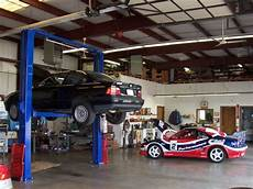 Garage Mit Autos by Garage And Auto Maintenance Al Million Services Trad