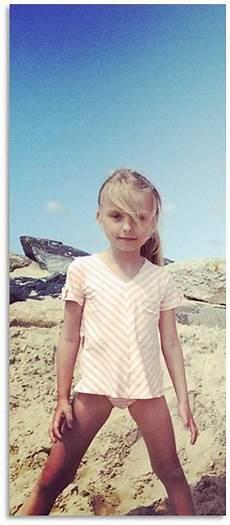 Maillot De Bain T Shirt Et Culotte Pour Fille 233