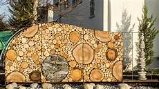 holz und stein skulptur foto bild kunstfotografie