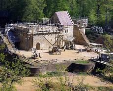chateau steinzeit ausland badische zeitung