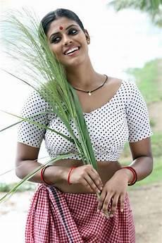 iniya malayalam in white blouse iniya malayalam in white blouse