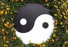 was ist feng shui feng shui garten regeln tipps gartengengestaltung