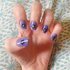 cute simple flower nail art look at me it s carra d