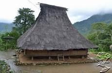 Arsitektur Tradisional Rumah Adat Lio Ende Flores Ntt