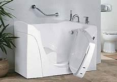 sitz für badewanne sitzbadewanne mit whirlpool b 142 sitzwanne mit whirlpool