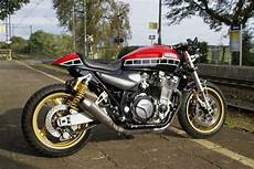 Yamaha Xjr1300 Cafe Racer Review