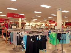trjma76x tj maxx is a threat to department stores business insider