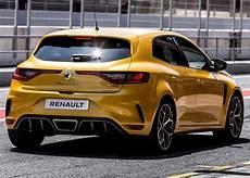 2019 renault megane rs trophy revealed driving