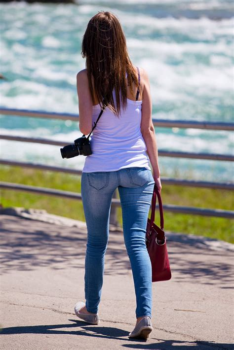 Girls In Tight Jeans Pics