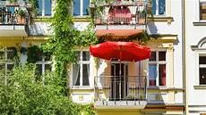 Markise Anbringen Eigentumswohnung - balkonnutzung balkongestaltung was ist erlaubt was