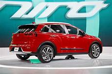 2017 Kia Niro Hybrid Look Review Motor Trend