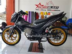 Modifikasi Honda Sonic 2018 by Modifikasi Honda Sonic 150r Black Panther Motoblast