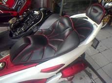 Jok Motor Modifikasi by Modifikasi Jok Motor Jok Yamaha Nmax Model Phyton Pesanan