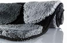 bad teppich kleine wolke badteppich stone schwarz badteppiche bei