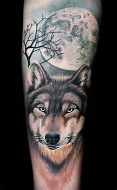 tatouage loup avant bras homme