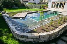 Schwimmteich Oder Pool - schwimmteich mit holzdeck contemporary pool