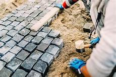 granitpflaster verfugen 187 so geht s wasserdurchl 228 ssig