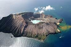 white island travel guide at wikivoyage