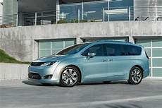 chrysler pacifica hybrid 2017 chrysler pacifica hybrid more details on 30 mile in