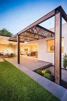 Pergola Metall Glasdach - lasergeschnittene cortenstahl platten als dach garten in