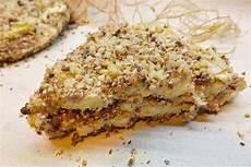 crema pasticcera con biscotti sbriciolati sbriciolata fredda di biscotti e ricotta
