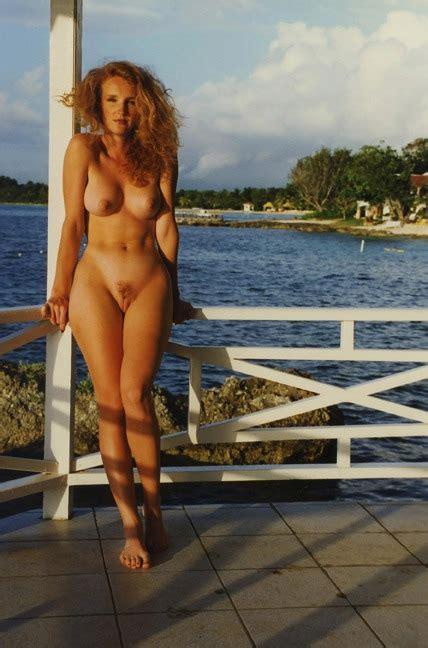 Palvin Barbi Naked
