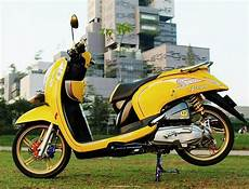 Modif Scoopy Minimalis by 100 Modifikasi Scoopy Standar Harian Purnama