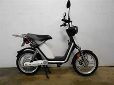 scooter electrique matra lot de 2 scooter matra e mo 233 lectrique mob05 mob03 moto scooter 2 roues d occasion aux