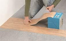 pvc auf fliesen verlegen vinylboden selbstklebend selbst de