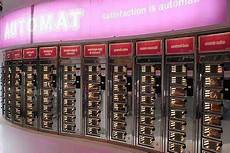ut0mtt food vending machines automatic satisfaction back in nyc