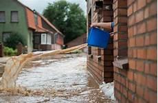 Wohnung Unter Wasser - stiftung warentest lohnt sich eine hausratversicherung